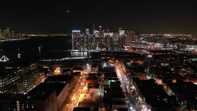 night footage above hoboken, nj - strzelać piłkę filmów i materiałów b-roll