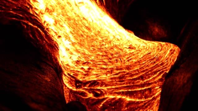 nacht-lava - vulkan stock-videos und b-roll-filmmaterial