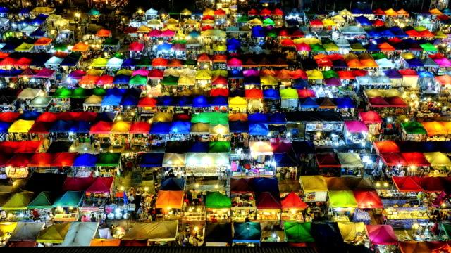 night market in bangkok, thailand - bangkok stok videoları ve detay görüntü çekimi