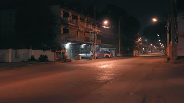 チェンマイ市タイのナイトマーケット - ロックダウン点の映像素材/bロール