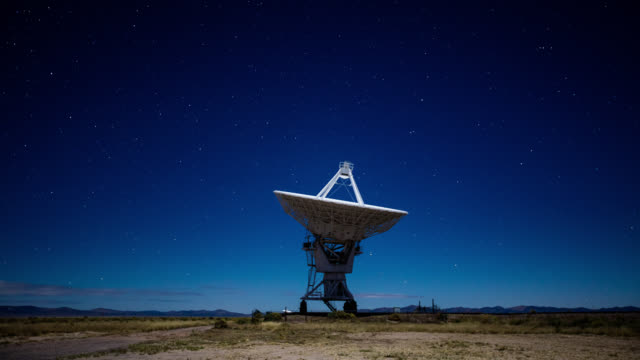 Night Time Lapse of a Telescope at the Very Large Array