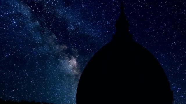 katedral gece zaman atlamalı santa maria maggiore, floransa - kubbe stok videoları ve detay görüntü çekimi