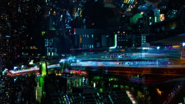 Ein Nachtzeitraffer der Autobahn in Shibuya Tokyo Hochwinkel vertikale Aufnahme – Video