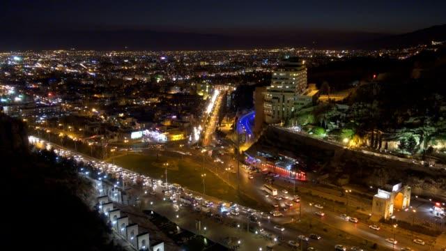 ナイトの眺めシラーズ、イラン - モスク点の映像素材/bロール