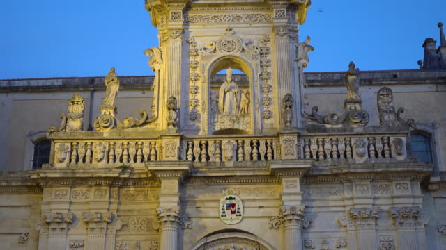 night view of the cattedrale di santa maria assunta - lecce video stock e b–roll
