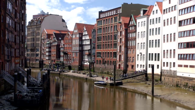 Nikolaifleet Channel - Hamburg, Germany video