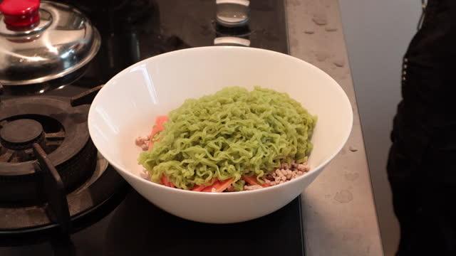 Noodles video