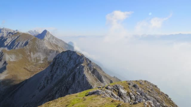 nordkette、カーヴェンデル山の範囲 - 起伏の多い地形点の映像素材/bロール