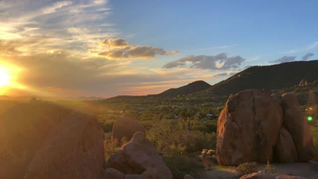 north scottsdal, arizona, usa, wüstenlandschaft - südwesten stock-videos und b-roll-filmmaterial