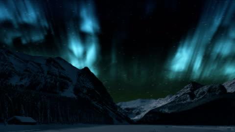 stockvideo's en b-roll-footage met noorderlicht over de winter berg-time lapse aurora borealis (northern lights) - gewone snelheid