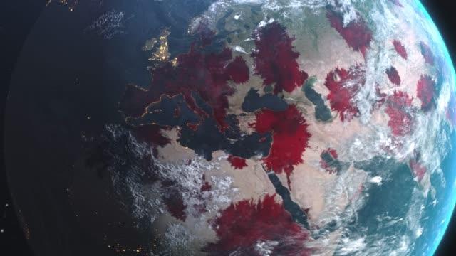 vidéos et rushes de roman coronavirus ncov se propage de l'europe à l'asie partout dans le monde, l'épidémie mondiale de grippe se propage sur tous les continents, l'infection virale mortelle mondiale, la crise pandémique corona tuer des milliers dans le monde ent - carte europe