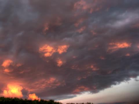 ntsc:dramatic sunset - 10 saniyeden daha kısa stok videoları ve detay görüntü çekimi