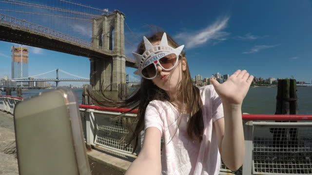 NYC-Travelers. Taking Selfie in New York City. Teens Viewpoint on the World. video