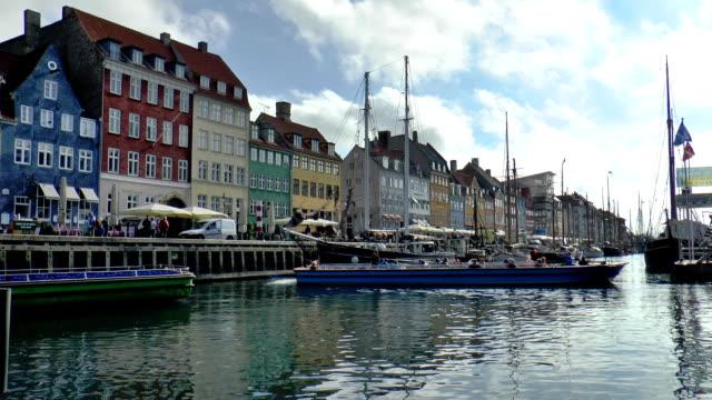 nyhavn - copenhagen, denmark - dansk kultur bildbanksvideor och videomaterial från bakom kulisserna
