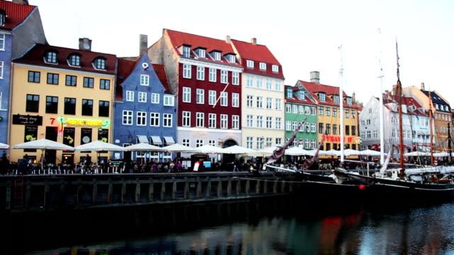 nyhavn famous road in copenhagen - dansk kultur bildbanksvideor och videomaterial från bakom kulisserna