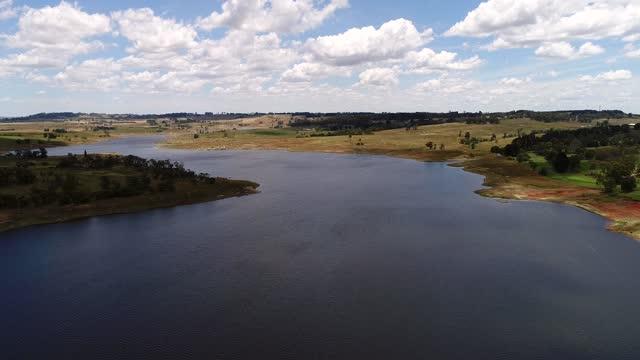 bm 오베론 댐 x3 - larry king 스톡 비디오 및 b-롤 화면