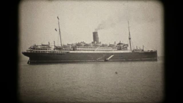 vídeos de stock, filmes e b-roll de transatlântico quartos scythia - 1920 vintage de 16 mm (hd1080 - navio