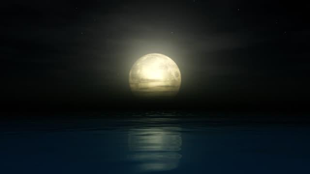 vídeos de stock e filmes b-roll de oceano lua - maré