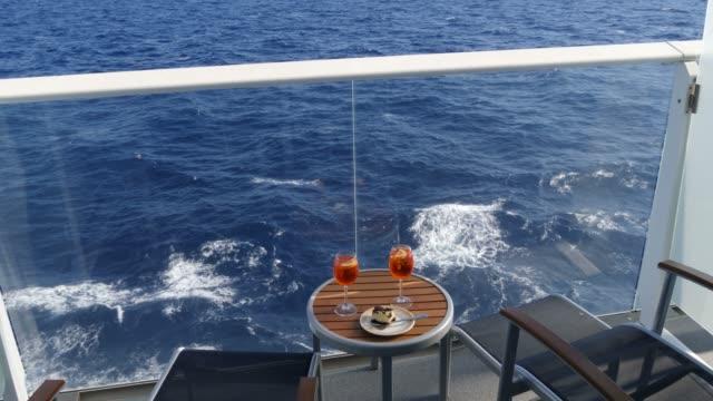 stockvideo's en b-roll-footage met balkon met zeezicht op een cruiseschip, caribische zee - cruise