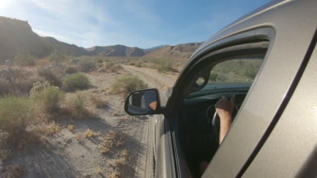 vídeos de stock, filmes e b-roll de fora da estrada - caminhonete pickup
