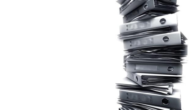 vídeos y material grabado en eventos de stock de oficina carpetas pila en blanco (loop). - derecho