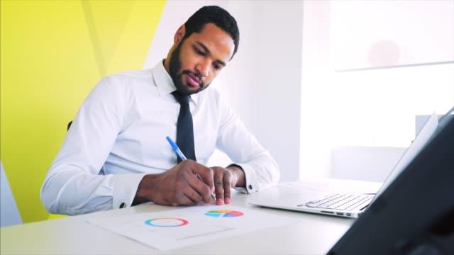 office paperwork. - professione finanziaria video stock e b–roll