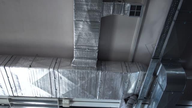 kontorsutrymmen. elsystem och luftkonditionerings system. - ventilation bildbanksvideor och videomaterial från bakom kulisserna