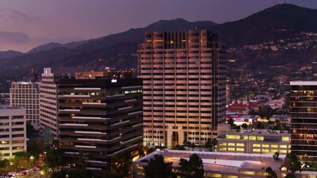office towers in glendale, ca - aerial view - viale video stock e b–roll