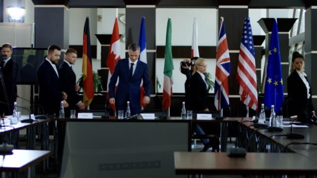 officials preparing for international summit - debate стоковые видео и кадры b-roll