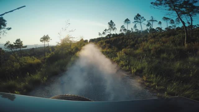 Geländewagen offroad Auto, Rückansicht-onboard-Kamera – Video