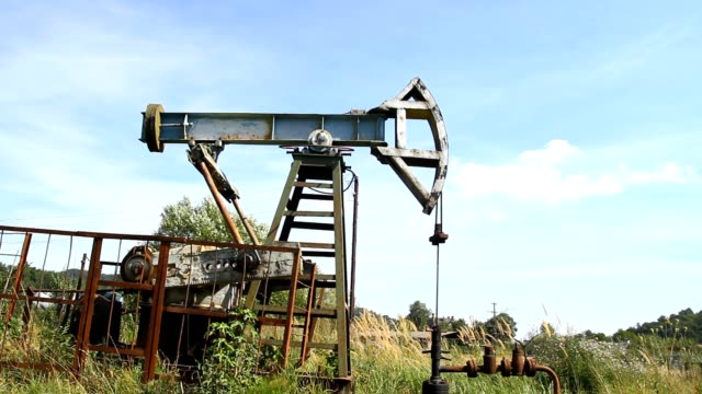 Oil pump jack video