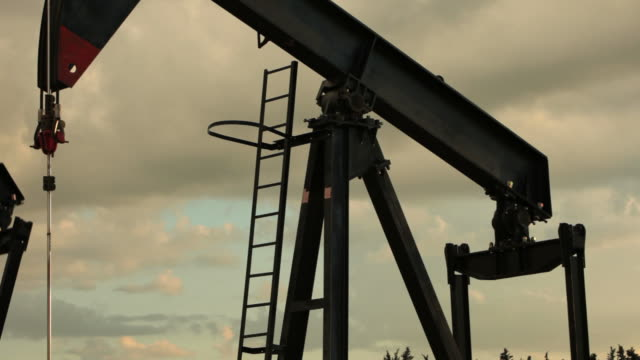 Oil Pump (with sound) video
