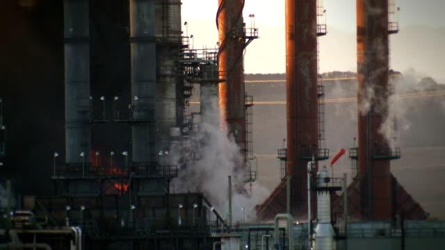 oil refinery fire video