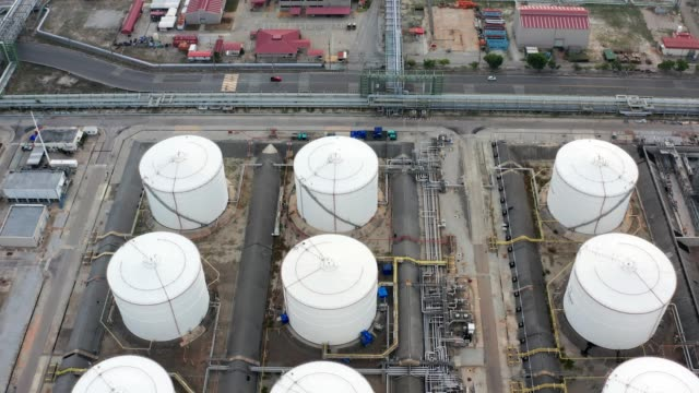 oil refinery power plant with storage tank