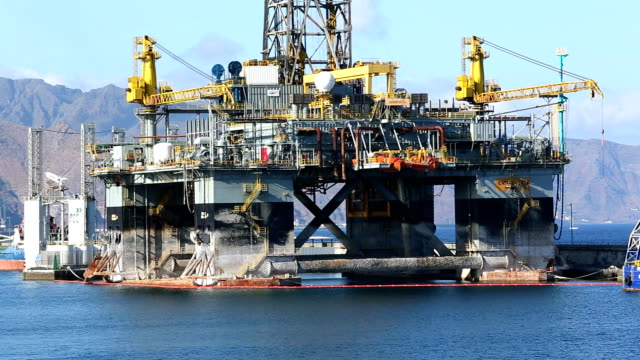 Oil Rig, camara pan video