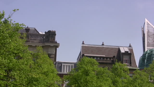 stockvideo's en b-roll-footage met old and new architecture - den haag