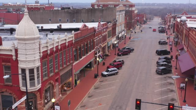 old architecture on downtown buildings, guthrie, oklahoma, usa - antique shop stock-videos und b-roll-filmmaterial