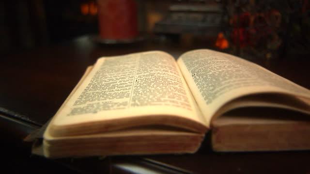 старый библия - ветхий завет стоковые видео и кадры b-roll