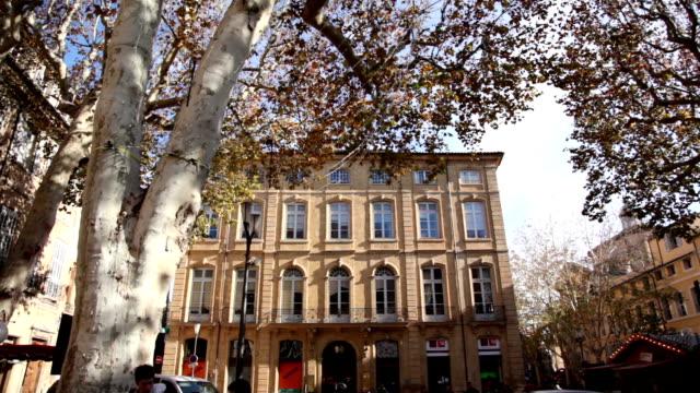 vidéos et rushes de vieux bâtiment sur le cours mirabeau, aix-en-provence, france - aix en provence