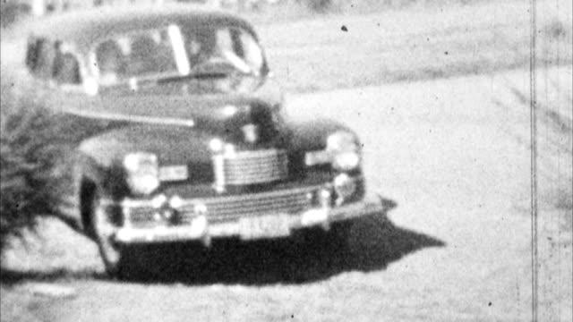 古い車まで駆動可能(アーカイブ 1940 年代) - 古風点の映像素材/bロール