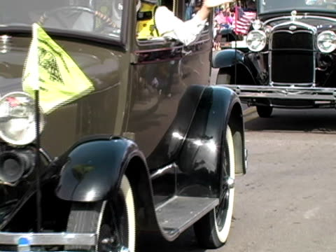 Old Cars on Parade video