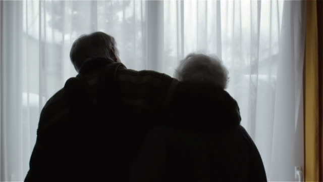 Old couple, silhouette video