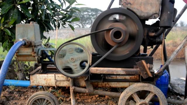 vídeos y material grabado en eventos de stock de antiguo motor - generadores