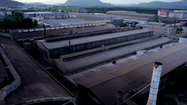 stockvideo's en b-roll-footage met old factory - verlaten slechte staat