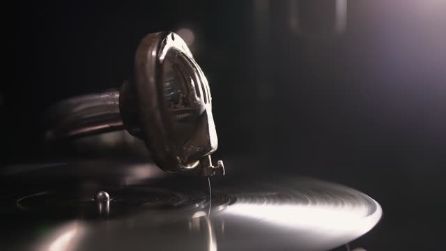 Old fashioned retro vinyl player. - video