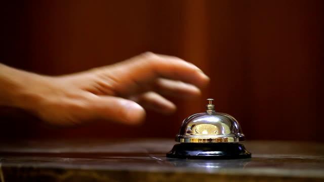 旧ホテルのベルスタンドには、大理石の - 指輪点の映像素材/bロール