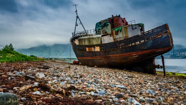 old ship wreck in fort william, scotland, 4k, timelapse - fort william video stock e b–roll