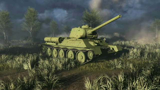 Old Tank T 34 take aim at the camera video