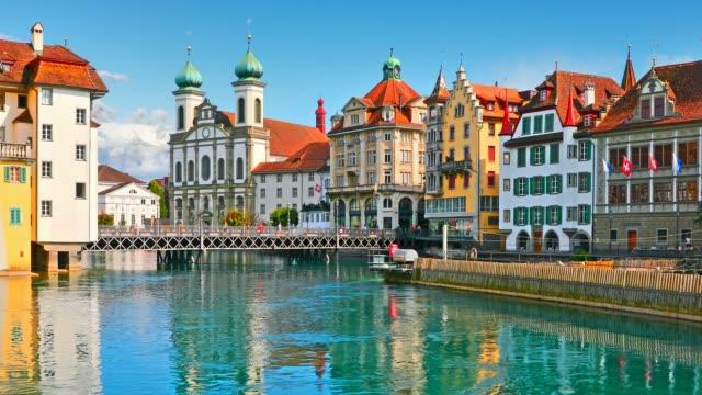 vídeos de stock e filmes b-roll de old town architecture of lucerne, switzerland - suíça