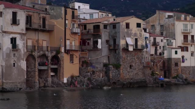 義大利西西里島塞法盧老城。 - sicily 個影片檔及 b 捲影像